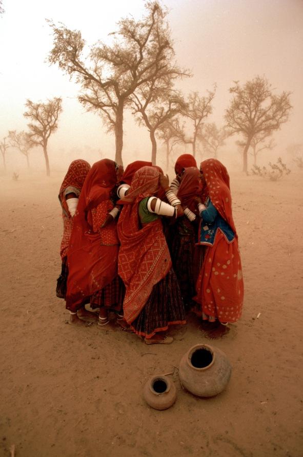 Steve McCurry - Duststorm