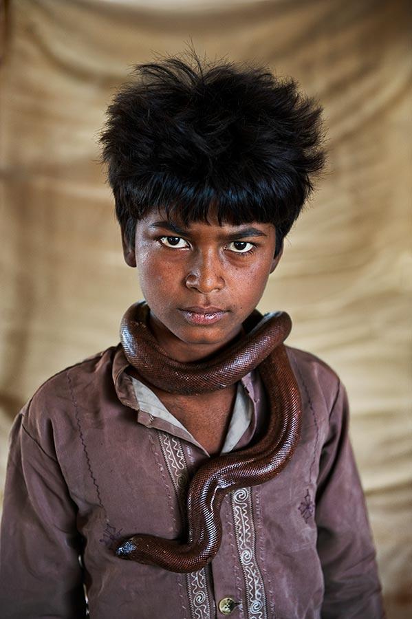 INDIA-10827