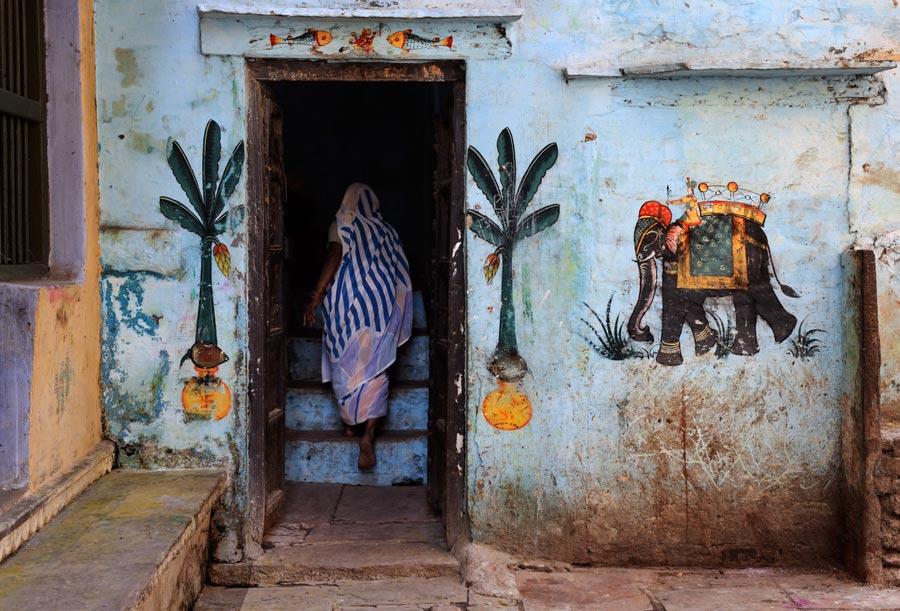 INDIA-10870