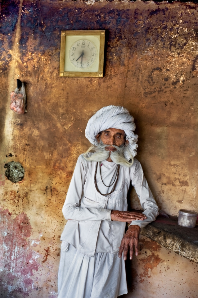 INDIA-10843