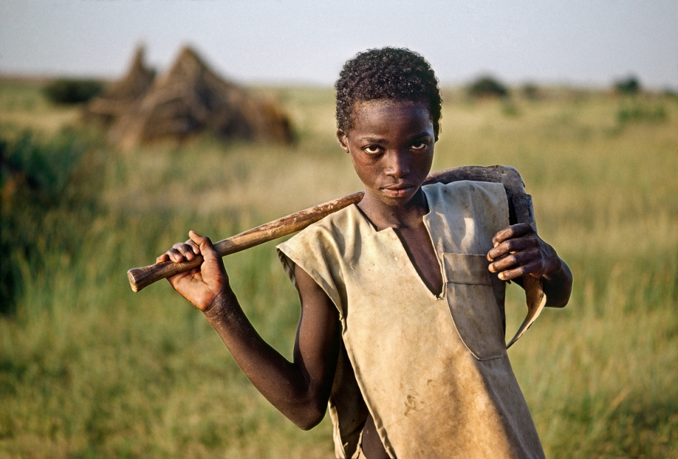 00018_02. Millet Farmer, the Sahel, Niger, 1995 The Unguarded Moment
