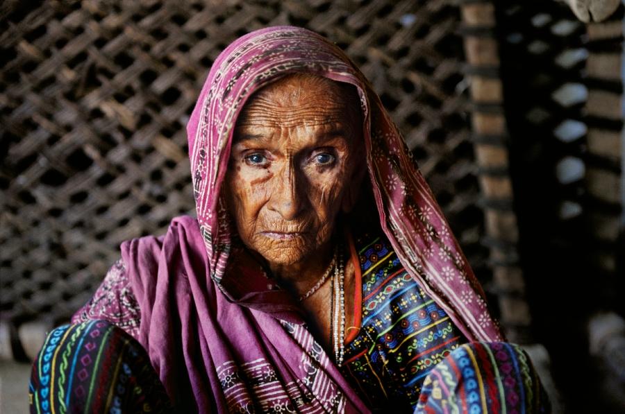 INDIA-11034