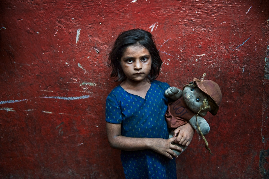 INDIA-11310, India, 2010, A young girl in India. Retouched_Sonny Fabbri