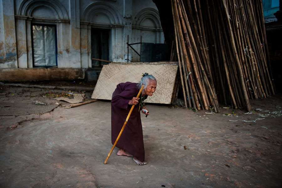 http://stevemccurry.files.wordpress.com/2013/11/burma-105551.jpg