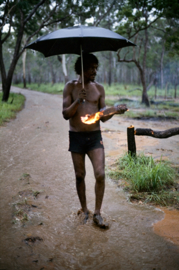 01614_05, northern territory, Australia, 1984, Aboriginal with umbrella Retouched by Ekaterina Savtsova 04/11 2014