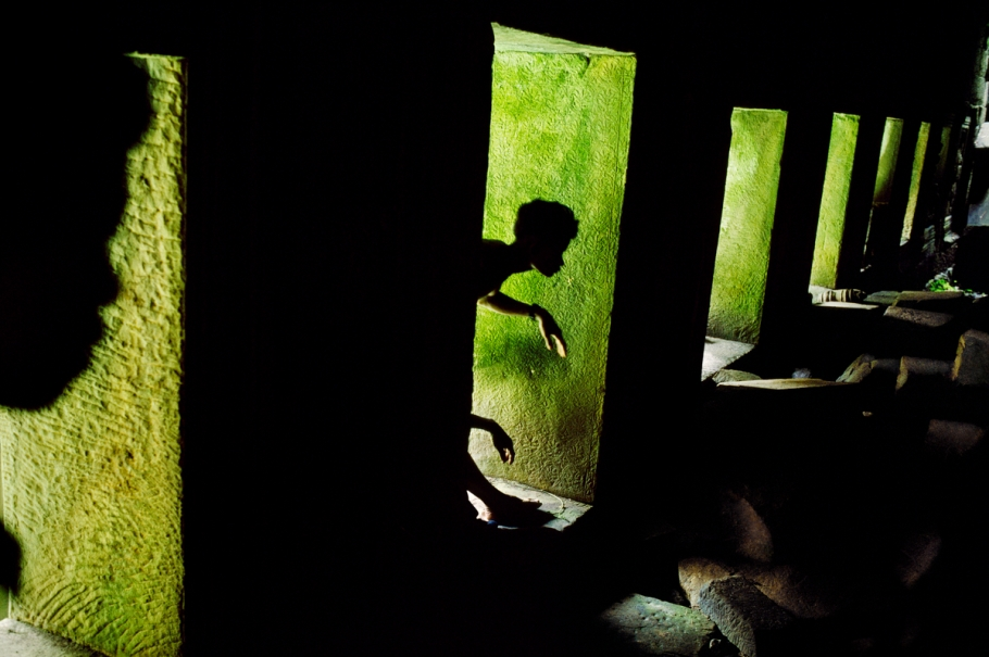 00054_09, Preah Khan, Angkor, Cambodia, 1999, CAMBODIA-10049NF. Shadow Play.    Untold_book  retouched_Sonny Fabbri 10/29/2014