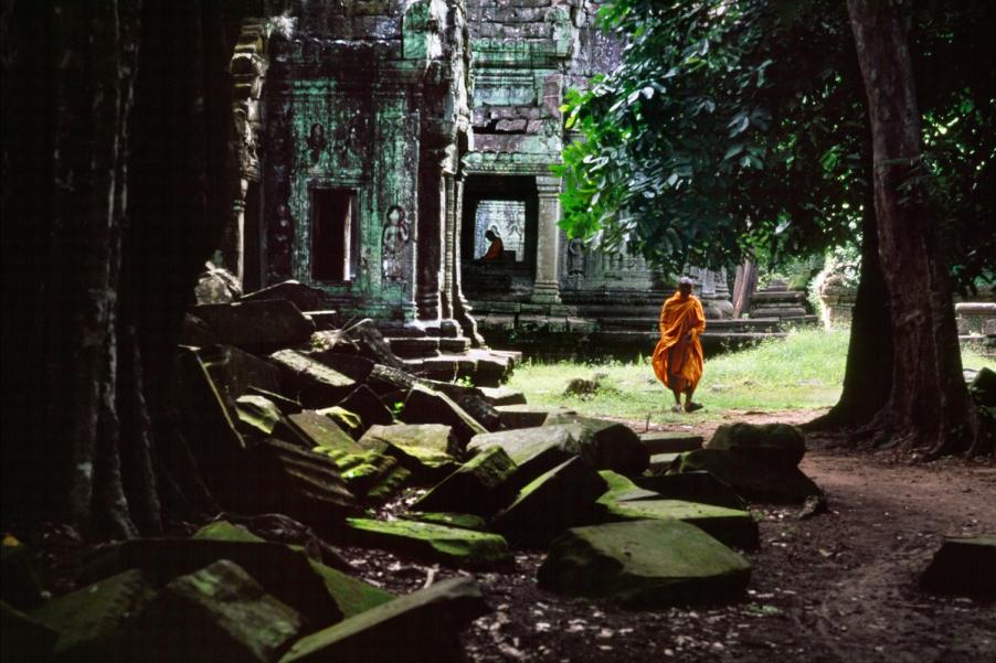 00937_ 07,Angkor Wat, Cambodia, 1998