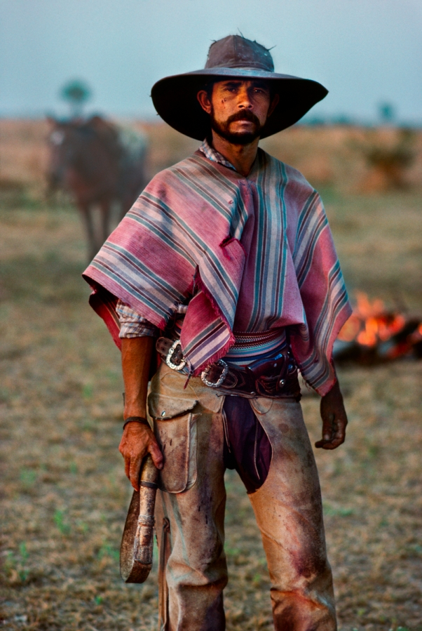00061_12, Chaco, Paraguay, 1988, PARAGUAY-10003. A Gaucho stands with pride. Magnum Photos_NYC28309, MCS1985005K105 Portraits_book PORTRAITS_book Retouched_Sonny Fabbri 06/9/2013