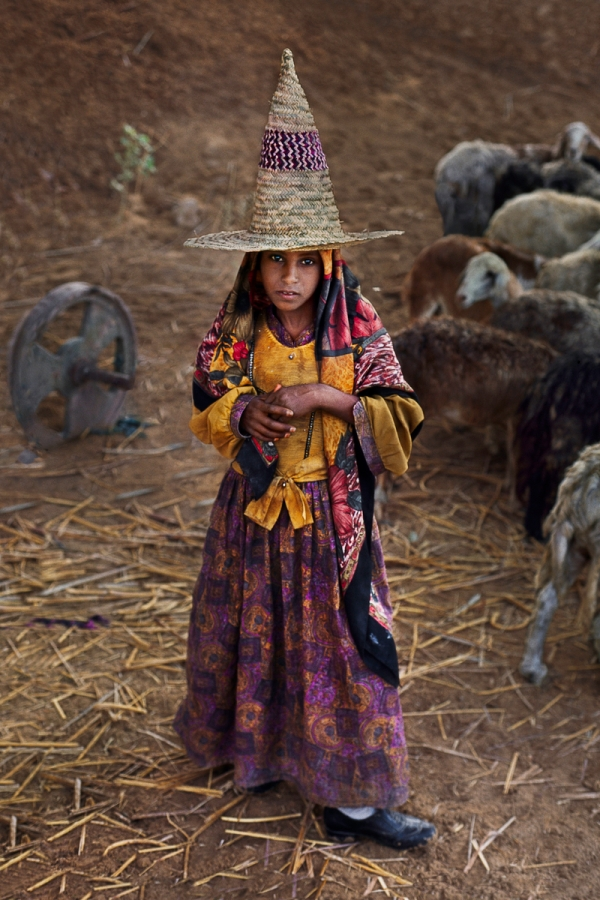 01270_12, Yemen, 03/1997, YEMEN-10201. A girl with a tall hat. retouched_Sonny Fabbri 10/3/2013