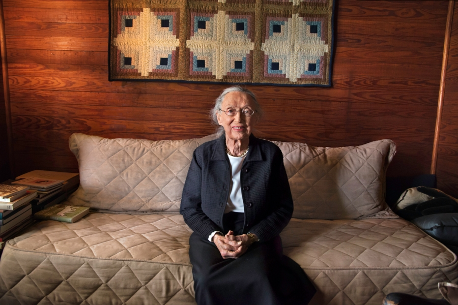 DSC_9779, Deep South, Alabama, USA, 2013, USA-10797. Mary Ward Brown in her home. Final Deep South selection for Smithsonian. retouched_Sonny Fabbri 7/20/2015