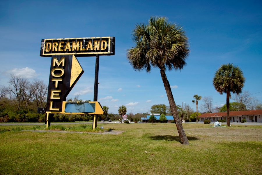 DSC_4306, Deep South, Sylvania, Geogia, USA, 04/2014, USA-10995. The Dreamland Motel. CHECK IMAGE USAGE final_Smithsonian Magazine Retouched_Sonny Fabbri 7/15/2015