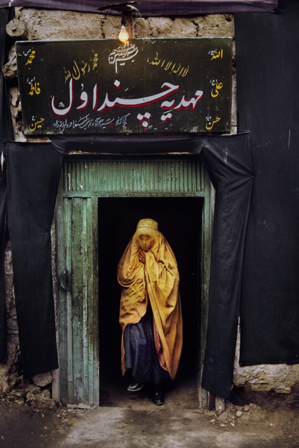00113_18, Shia Mosque, Chindawal,Kabul, Afghanistan, 2002. AFGHN-12669. A woman in Afghanistan. retouched_Sonny Fabbri 7/15/2015