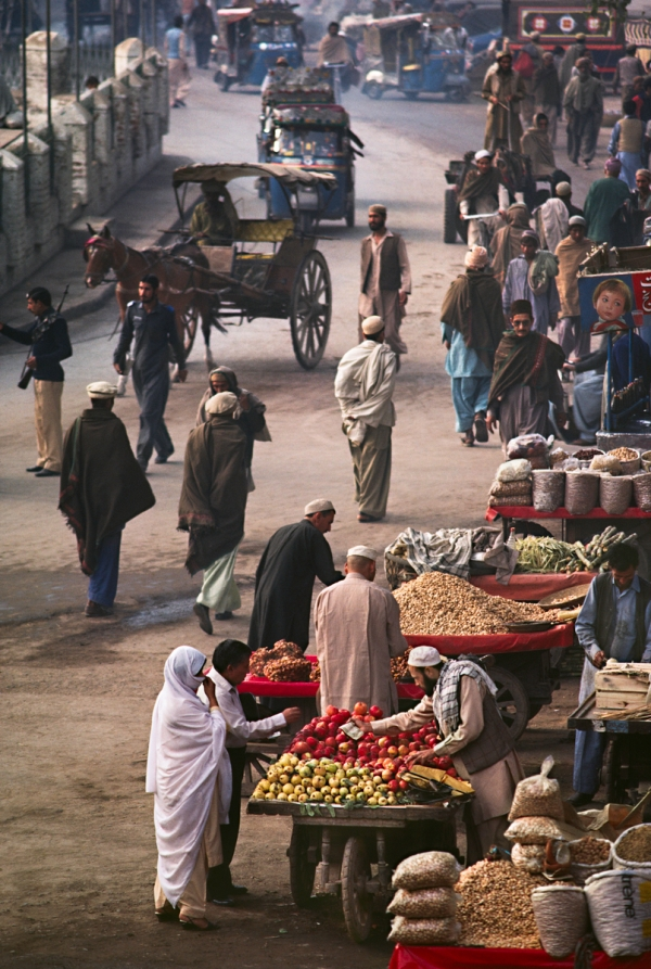 00063_10, Afghan border, Peshawar, Pakistan, 1984, PAKISTAN-10188. Quissa Khawani Bazaar, the Market of Storytellers, Peshawar, Pakistan, 1984. MAX PRINT SIZE: 40X60 MCS1984005K053, NYC134799 The Imperial Way_Book The Great Railway Bazaar_Book retouched_Sonny Fabbri 11/04/2014